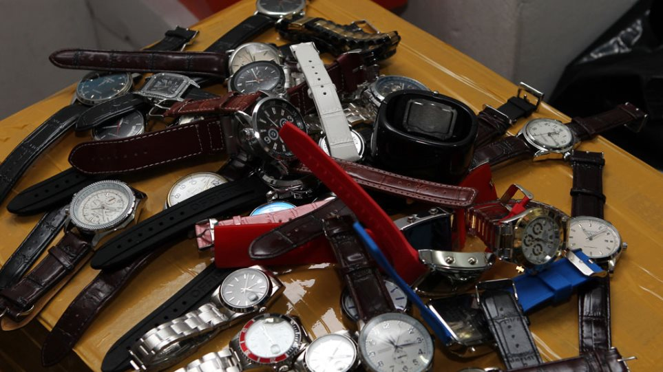 Assessing On the net Replica Watches Shops